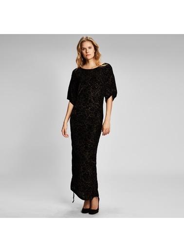 Vekem-Limited Edition Kayık Yaka Yarım Kol Etek Ucu Büzgülü Elbise Siyah